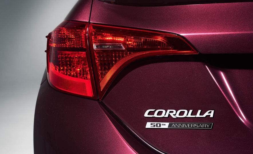 2017 Toyota Corolla 50th Anniversary Edition - Slide 8