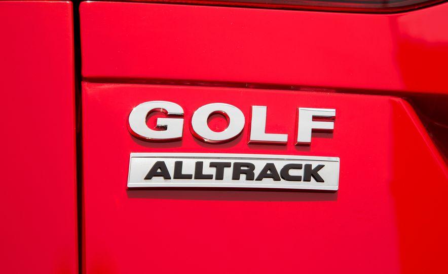 2017 Volkswagen Golf Alltrack - Slide 22