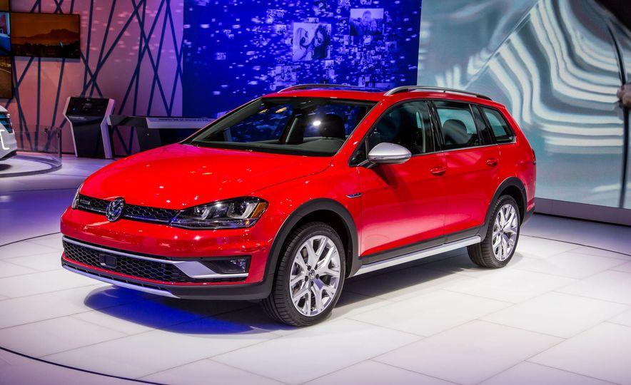 2017 Volkswagen Golf Alltrack - Slide 8