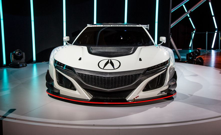 Acura NSX GT3 race car - Slide 1