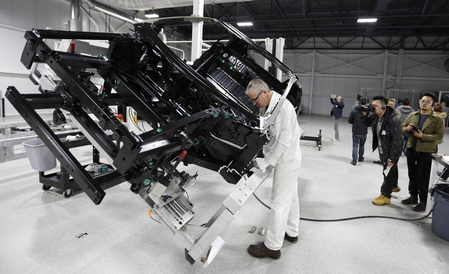 Acura NSX factory tour - Slide 39