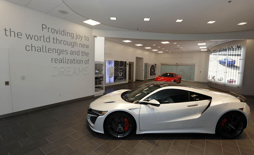 Acura NSX factory tour - Slide 1