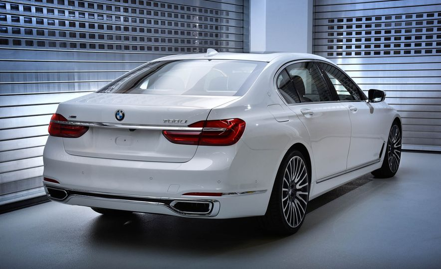 BMW 750Li xDrive Solitaire Edition - Slide 2