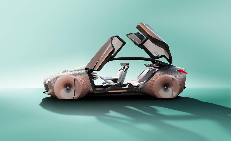 BMW Vision Next 100 concept - Slide 7
