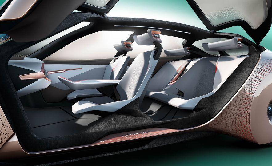 BMW Vision Next 100 concept - Slide 8
