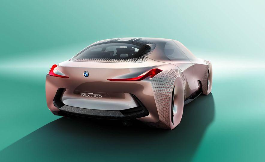 BMW Vision Next 100 concept - Slide 9