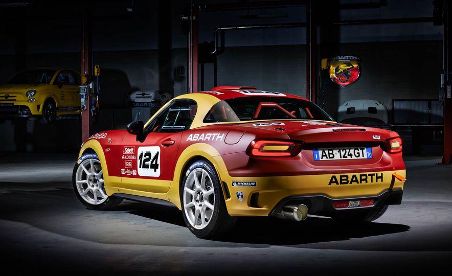 Fiat Abarth 124 GT - Slide 7