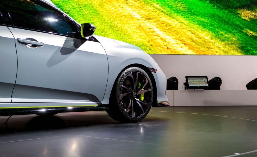 2017 Honda Civic Hatchback Prototype - Slide 21
