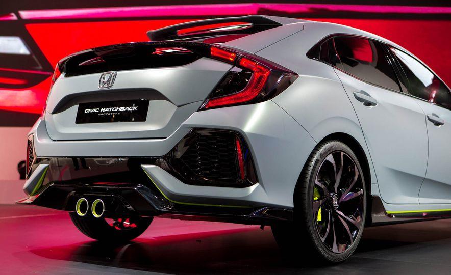 2017 Honda Civic Hatchback Prototype - Slide 22
