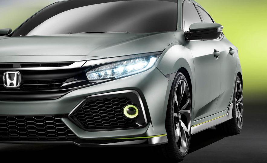 2017 Honda Civic Hatchback Prototype - Slide 31