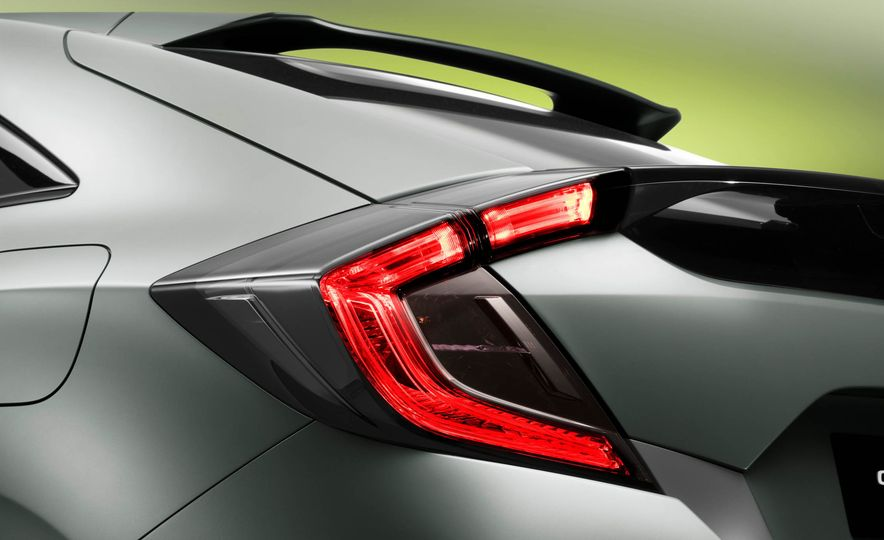 2017 Honda Civic Hatchback Prototype - Slide 33