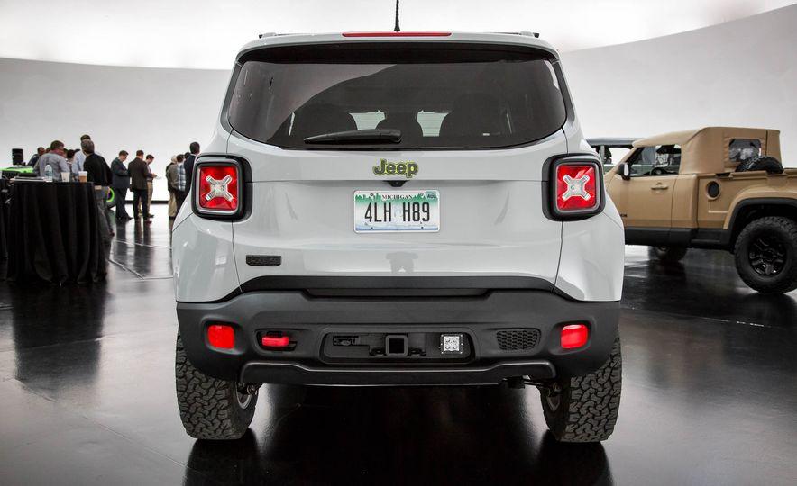 Jeep Wrangler Trailstorm concept - Slide 18