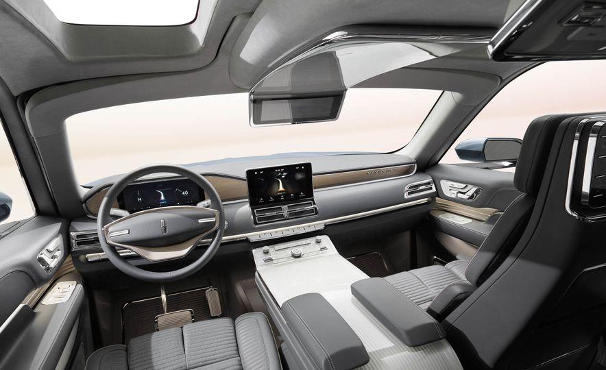 Lincoln Navigator concept - Slide 11