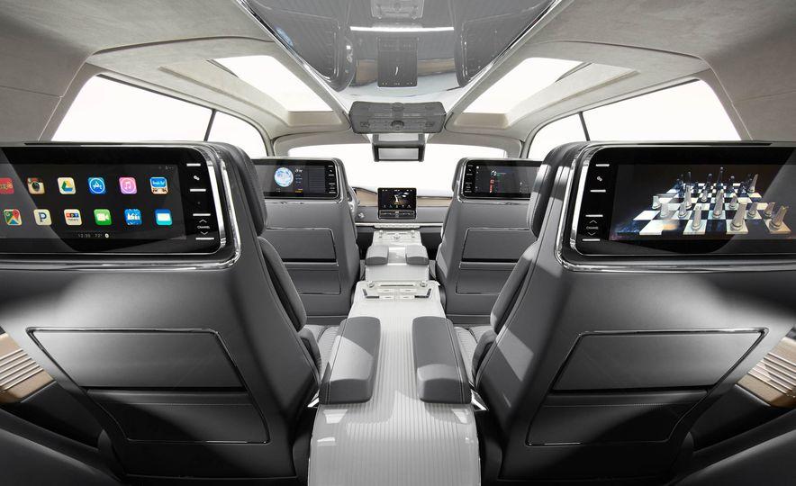 Lincoln Navigator concept - Slide 12