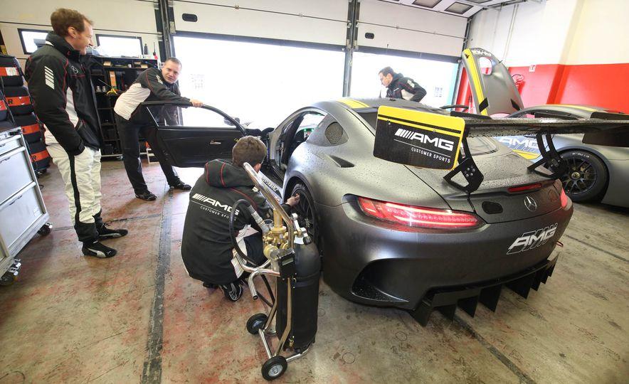 Mercedes-AMG GT3 - Slide 1