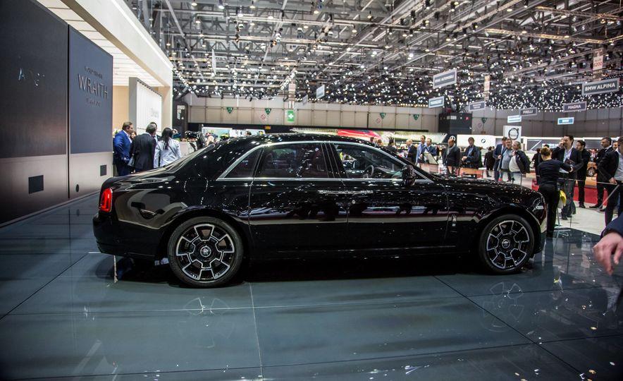 Rolls-Royce Ghost Black Badge edition - Slide 1
