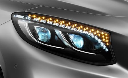 IIHS Headlight Tests Find Many Cars in the Dark