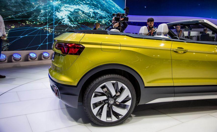 Volkswagen T-Cross Breeze concept - Slide 15