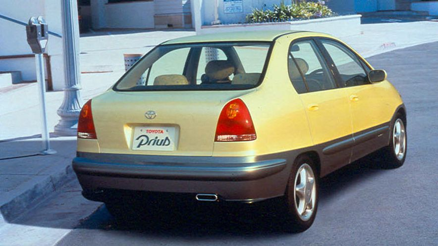 Prius History: From precedents to Prime - Slide 7