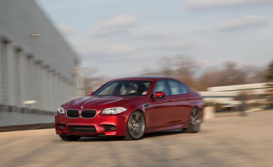 2013 BMW M5 - Slide 1