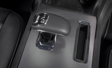 Fiat Chrysler Recalls 811,000 Sedans and SUVs for Poor Shifter Design [UPDATE]