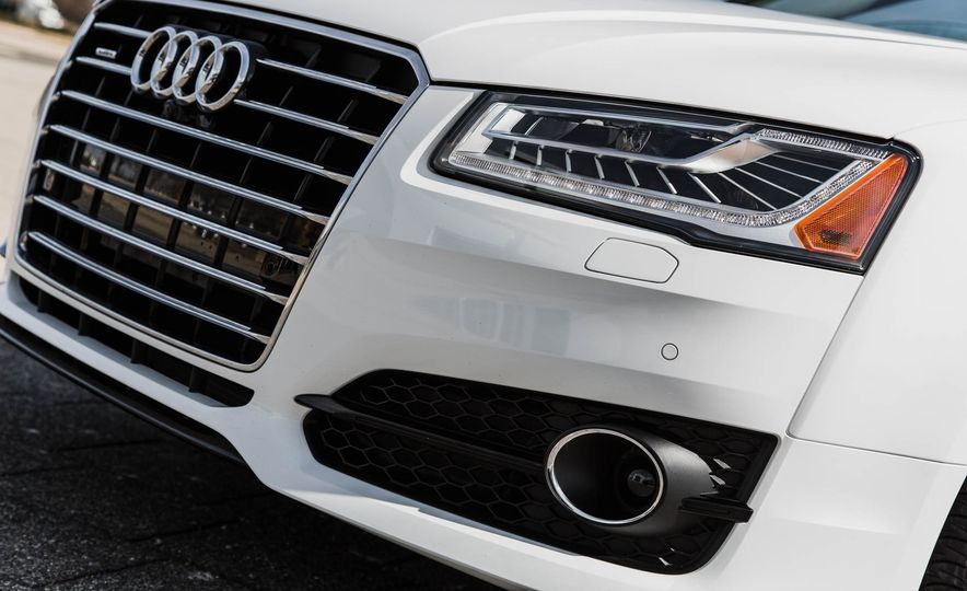 2016 Audi A8L - Slide 21