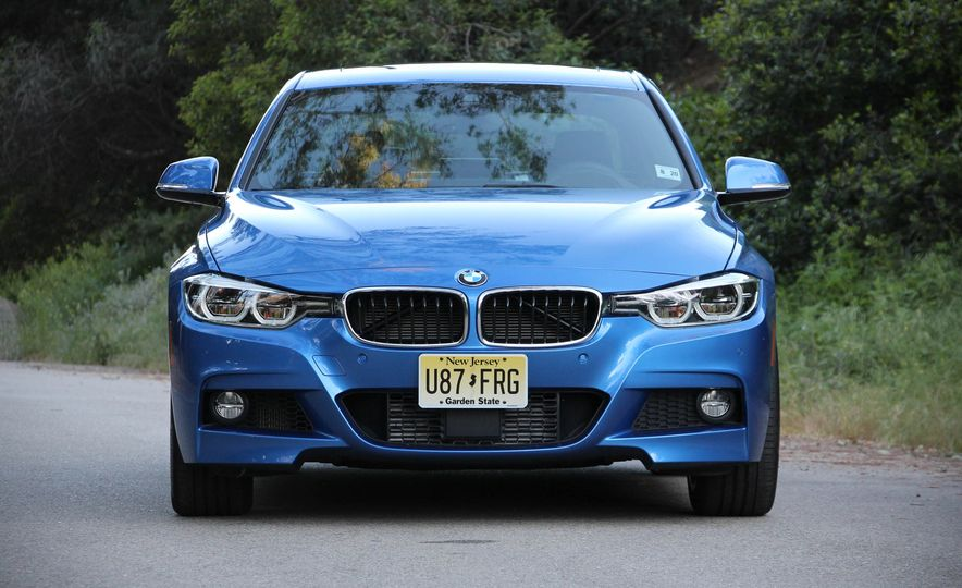 2016 BMW 328i xDrive - Slide 2