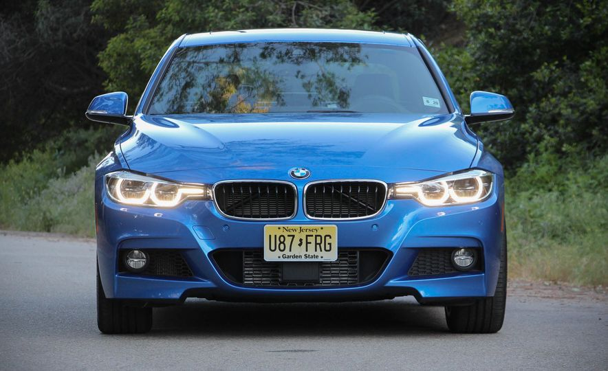 2016 BMW 328i xDrive - Slide 3