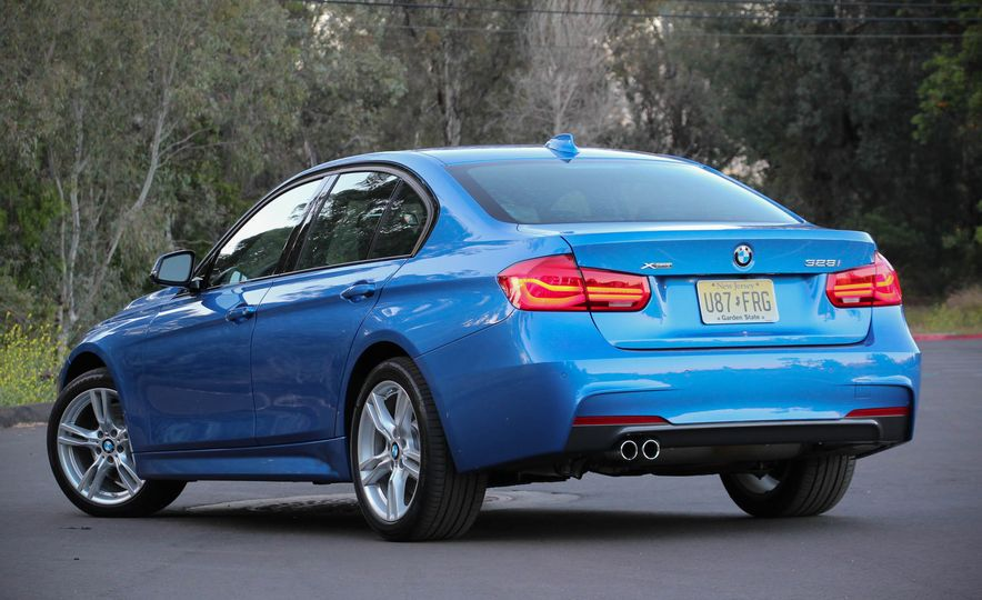 2016 BMW 328i xDrive - Slide 8