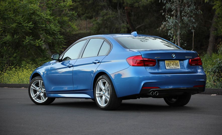 2016 BMW 328i xDrive - Slide 9