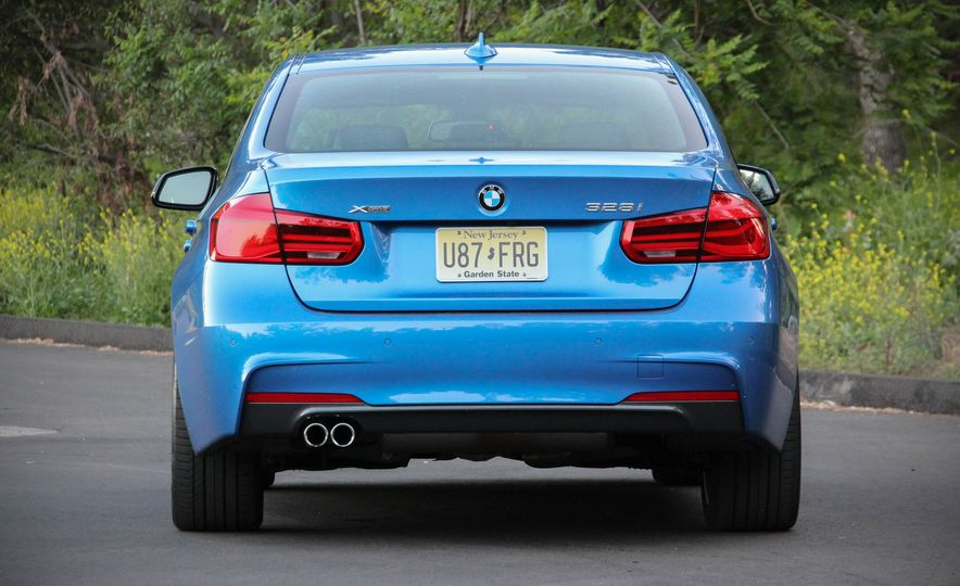 2016 BMW 328i xDrive - Slide 10