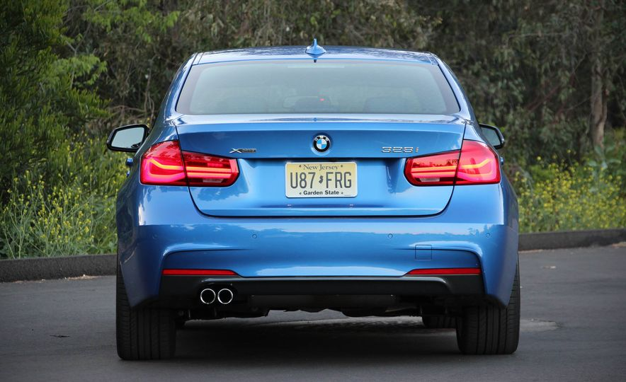 2016 BMW 328i xDrive - Slide 11