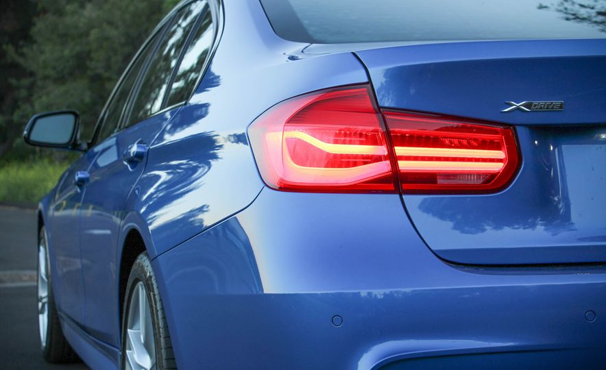 2016 BMW 328i xDrive - Slide 19