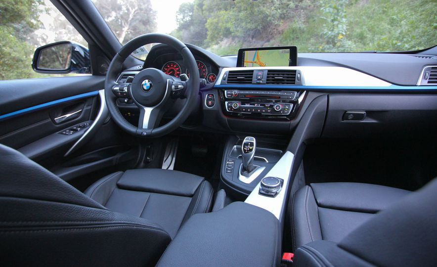 2016 BMW 328i xDrive - Slide 28