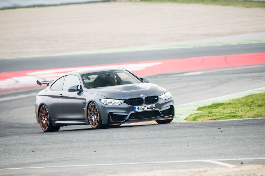 2016 BMW M4 GTS - Slide 4