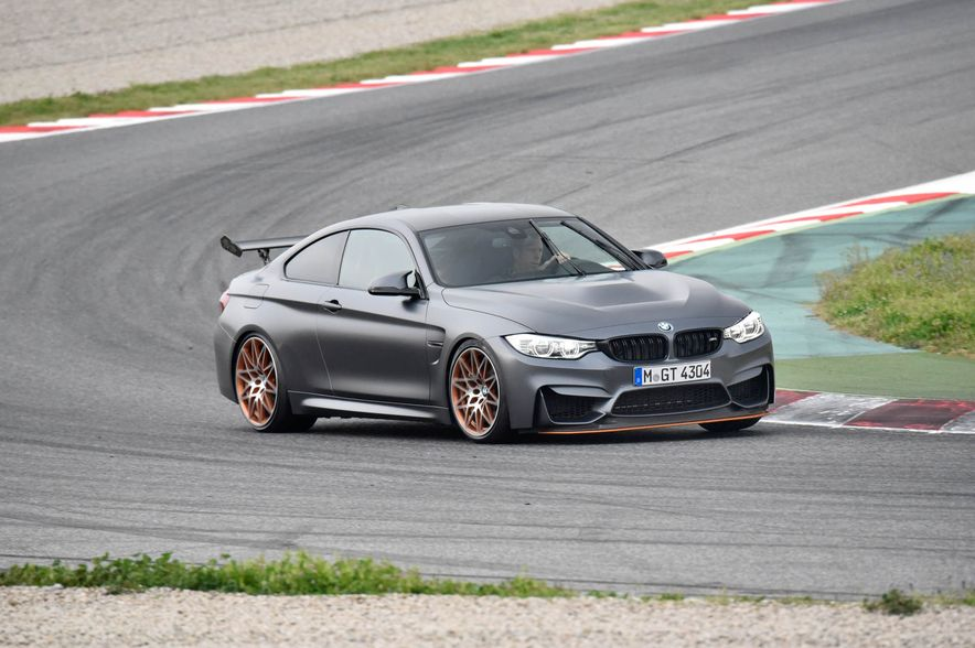 2016 BMW M4 GTS - Slide 2