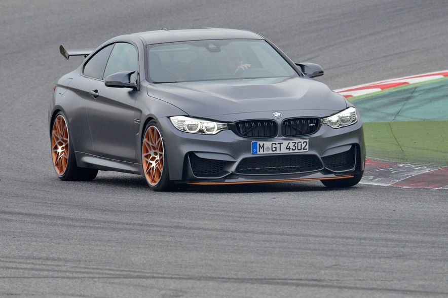 2016 BMW M4 GTS - Slide 9