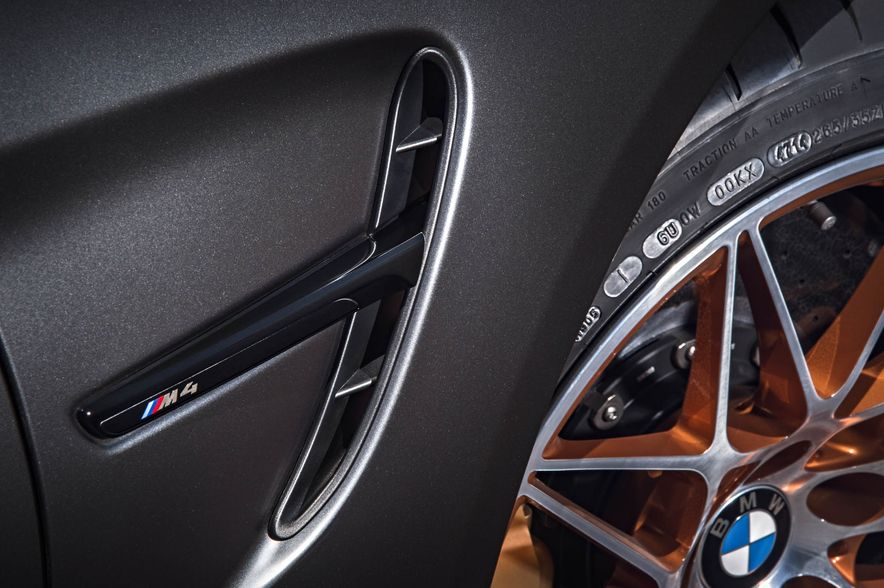 2016 BMW M4 GTS - Slide 49