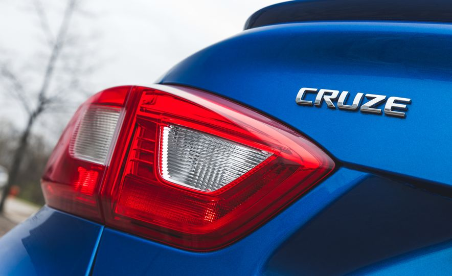 2016 Chevrolet Cruze LT - Slide 22