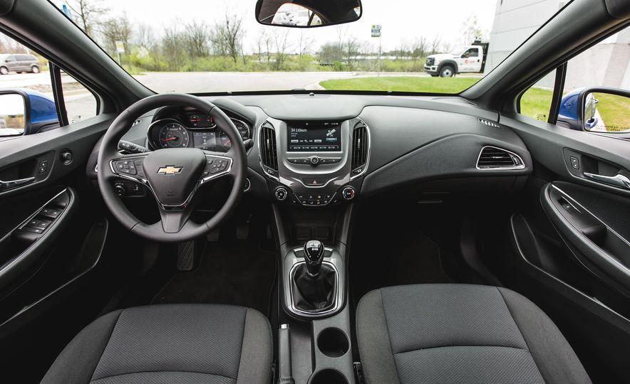 2016 Chevrolet Cruze LT - Slide 25