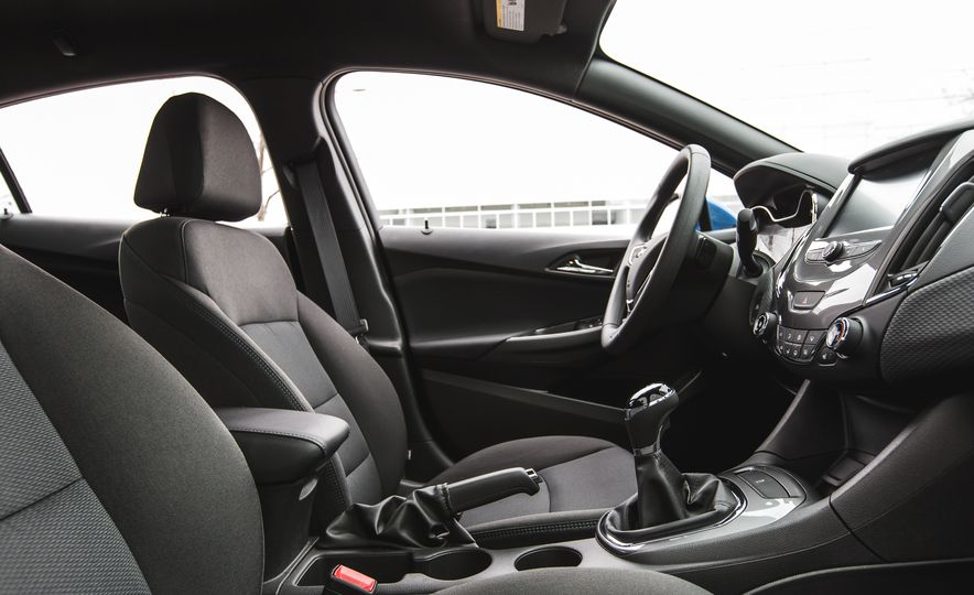 2016 Chevrolet Cruze LT - Slide 27