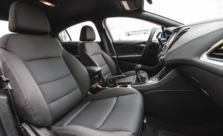 2016 Chevrolet Cruze LT - Slide 28