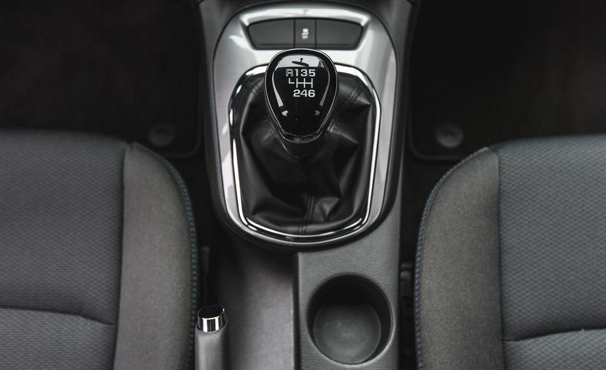 2016 Chevrolet Cruze LT - Slide 37