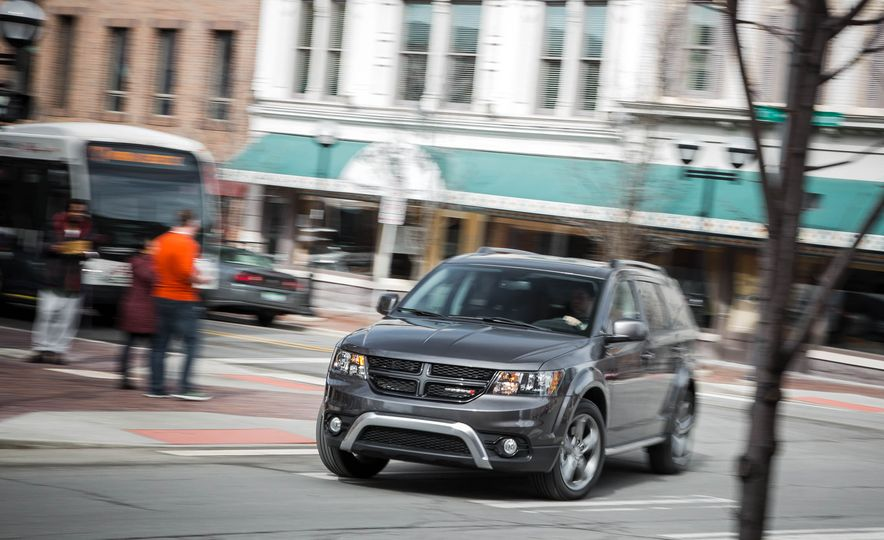 2016 Dodge Journey Crossroad Plus - Slide 7