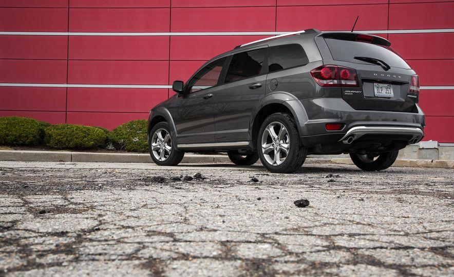 2016 Dodge Journey Crossroad Plus - Slide 13