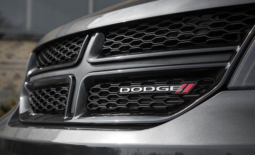 2016 Dodge Journey Crossroad Plus - Slide 14