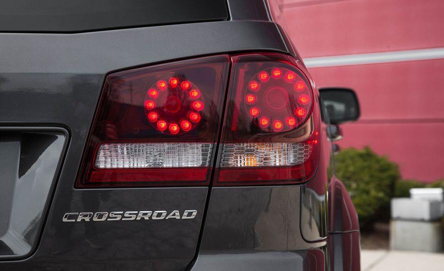 2016 Dodge Journey Crossroad Plus - Slide 22