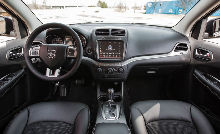 2016 Dodge Journey Crossroad Plus - Slide 24