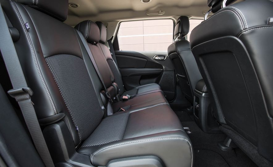 2016 Dodge Journey Crossroad Plus - Slide 29