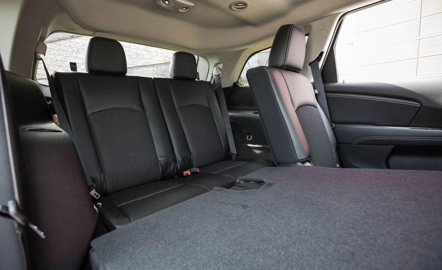 2016 Dodge Journey Crossroad Plus - Slide 31